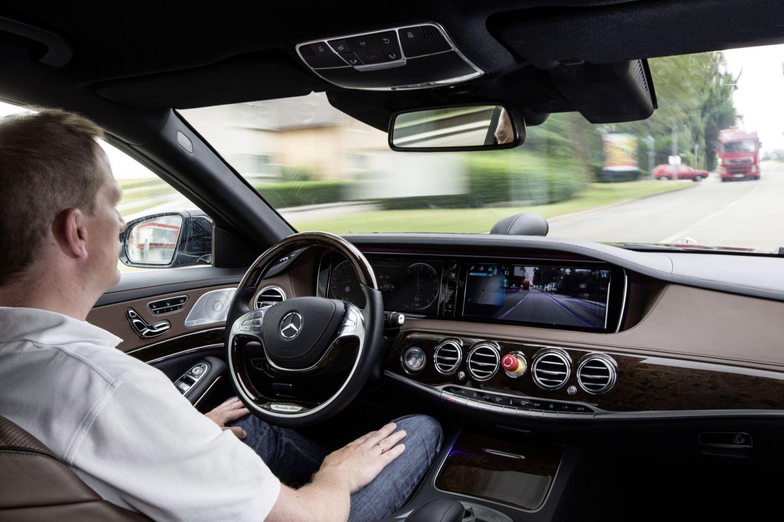 Aké sú jednotlivé úrovne autonómnej jazdy a dočkáme sa vôbec niekedy plnohodnotného autopilota?