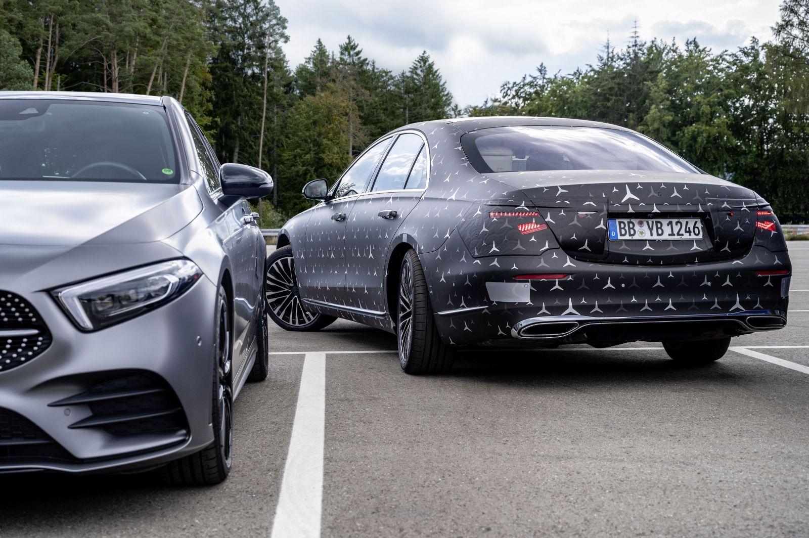 Mercedes-Benz poodhaľuje ďalšie revolučné prednosti triedy S, ktorými posunie latku opäť vyššie