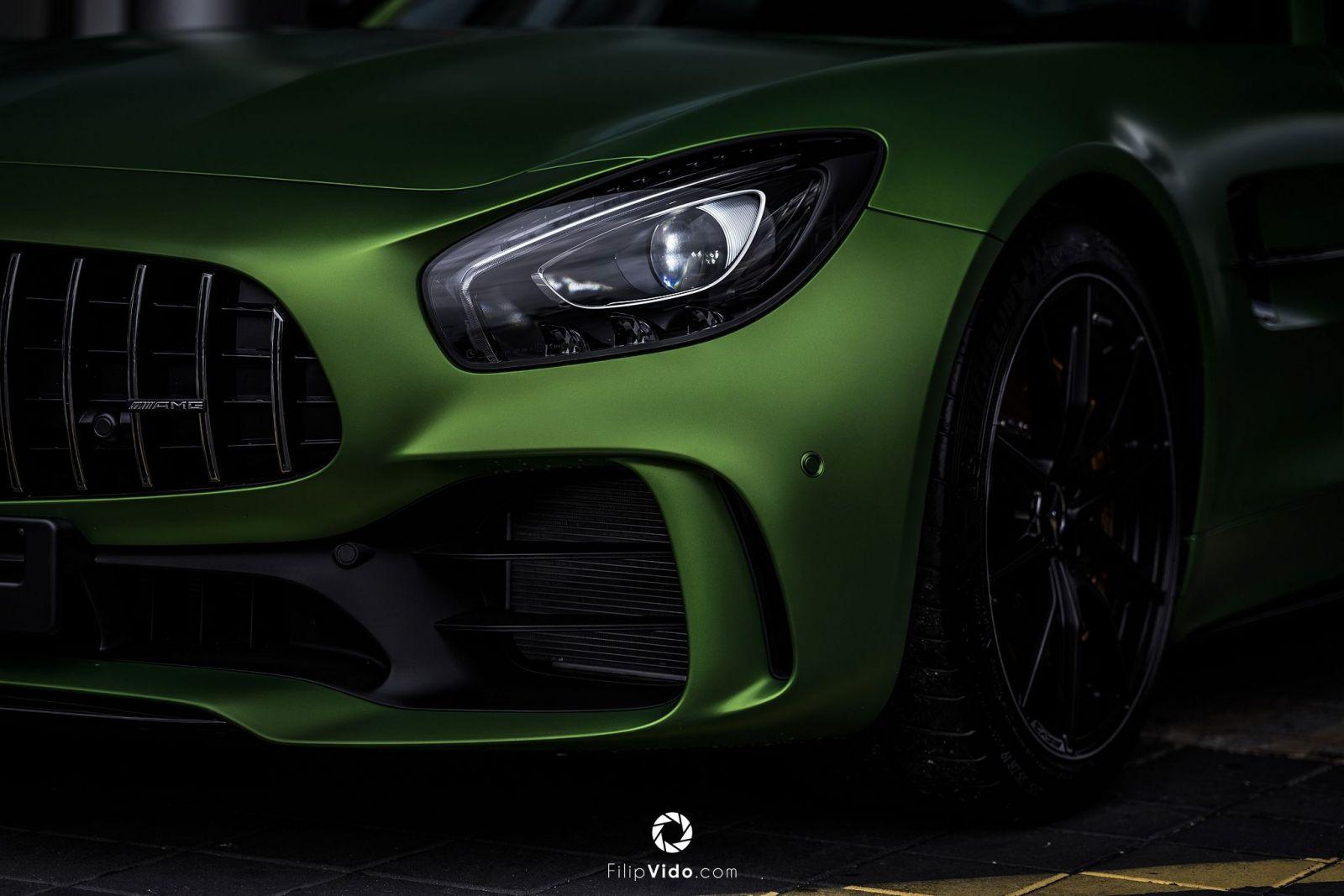 Nejlepší silniční sportovní auto od AMG všech dob už i u nás. Takto vypadá  famózní GT R. image. 4 19 c275e13bad