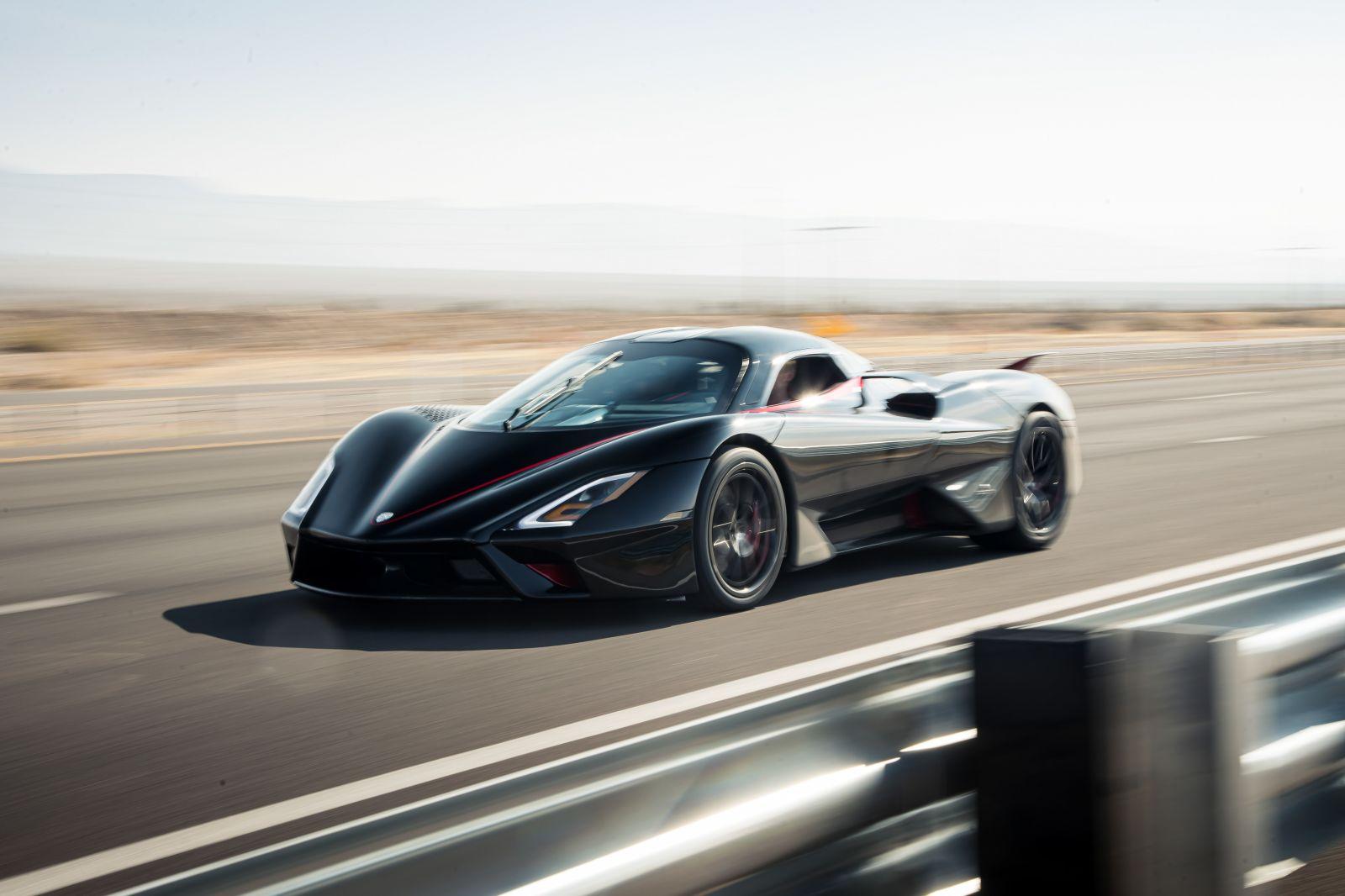 Nový najrýchlejší sériový automobil planéty dosiahol neuveriteľnú rýchlosť až 533 km/h!