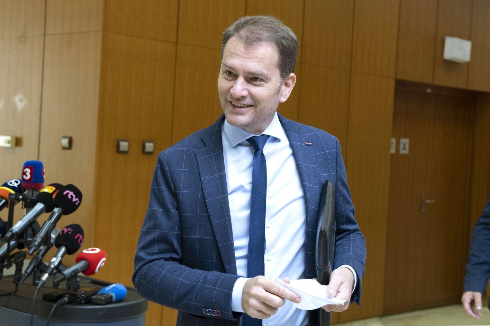 Matovič je presvedčený, že slovenské nemocnice sú na druhú vlnu COVID-19 pripravené. Pellegriniho Hlas tvrdí, že pandémiu nezvláda
