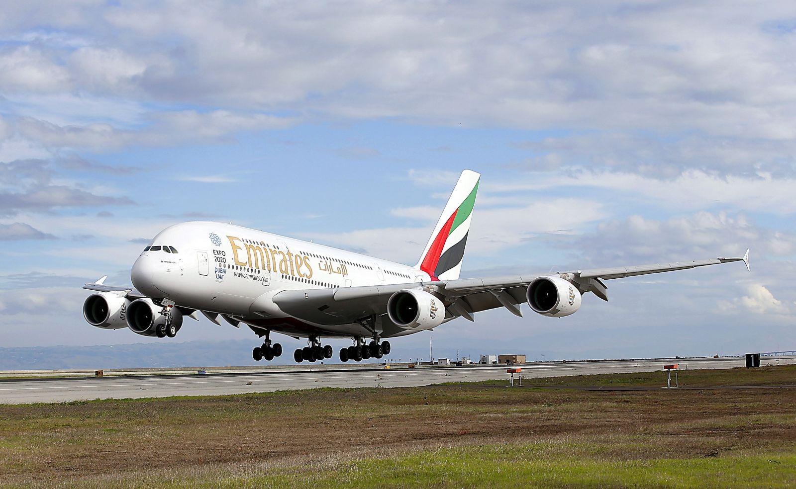 Lietadlo s nigérijskými repatriantami muselo núdzovo pristáť, jedna zo žien totiž krátko po štarte porodila dieťa