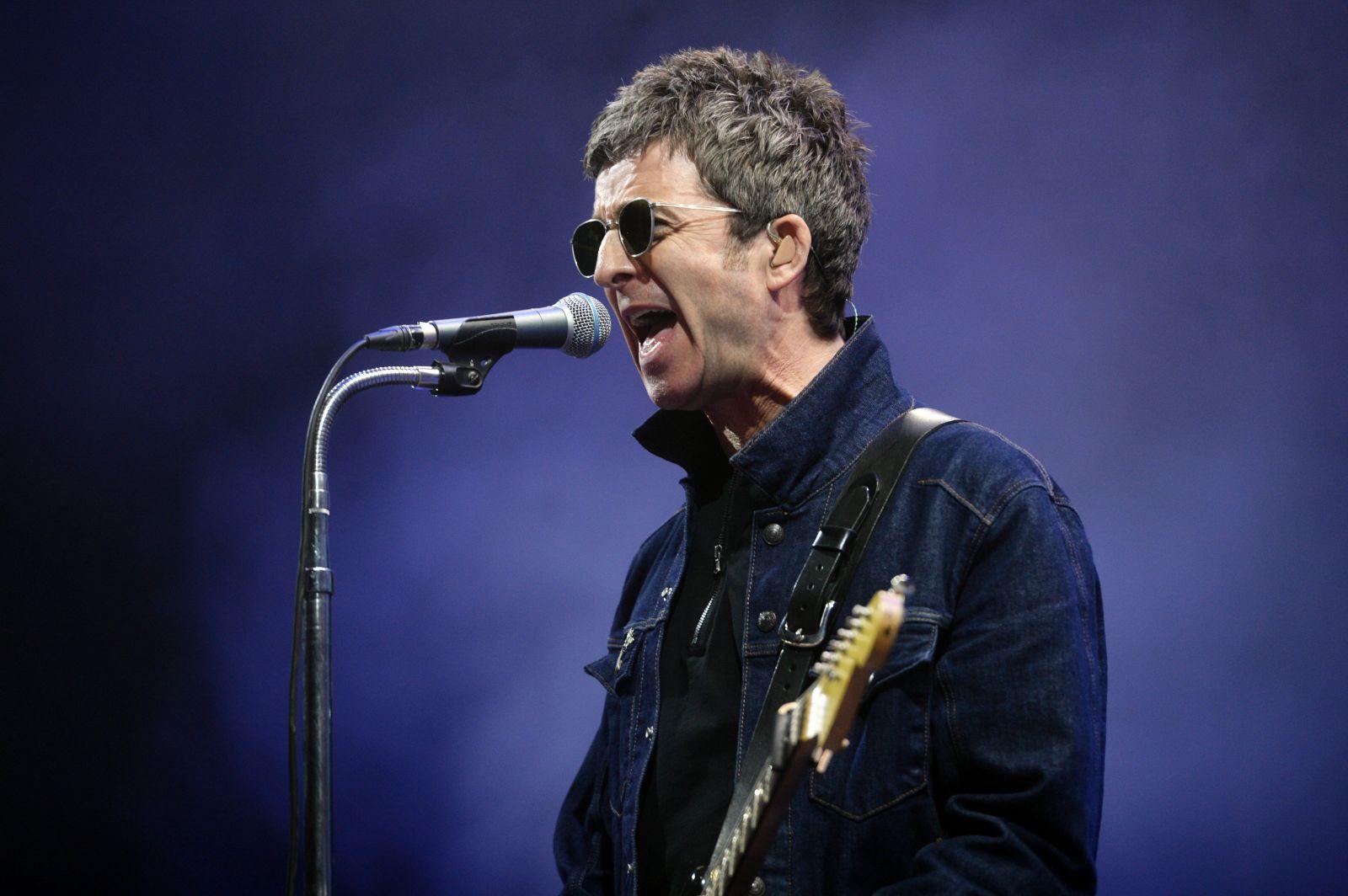 Noel Gallagher odmieta nosiť rúško. Berú nám priliš veľa s**rvených slobôd, hovorí o súčasnej Británii
