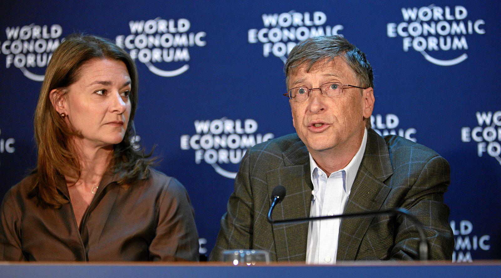 Bill Gates s manželkou prispeli na boj proti koronavírusu 100 miliónov dolárov