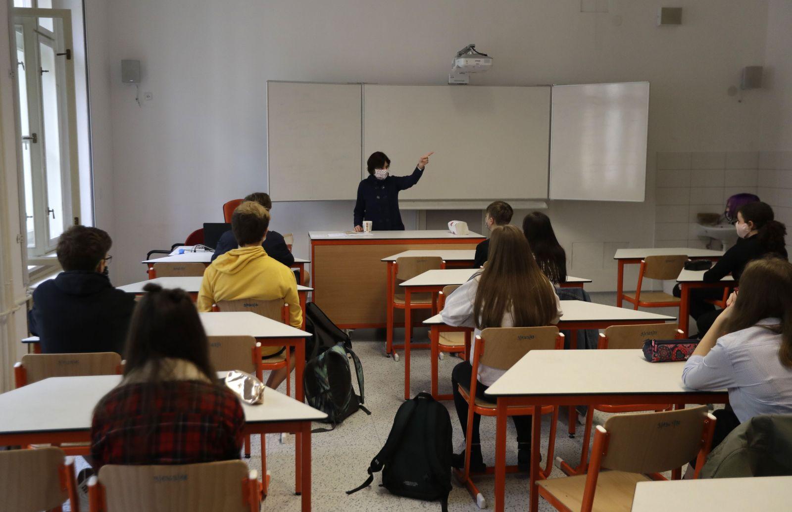 Slovensko chce školy otvárať už 1. júla, vo Francúzsku tento experiment nevyšiel. Hlásia z nich 70 nových prípadov nákazy COVID-19