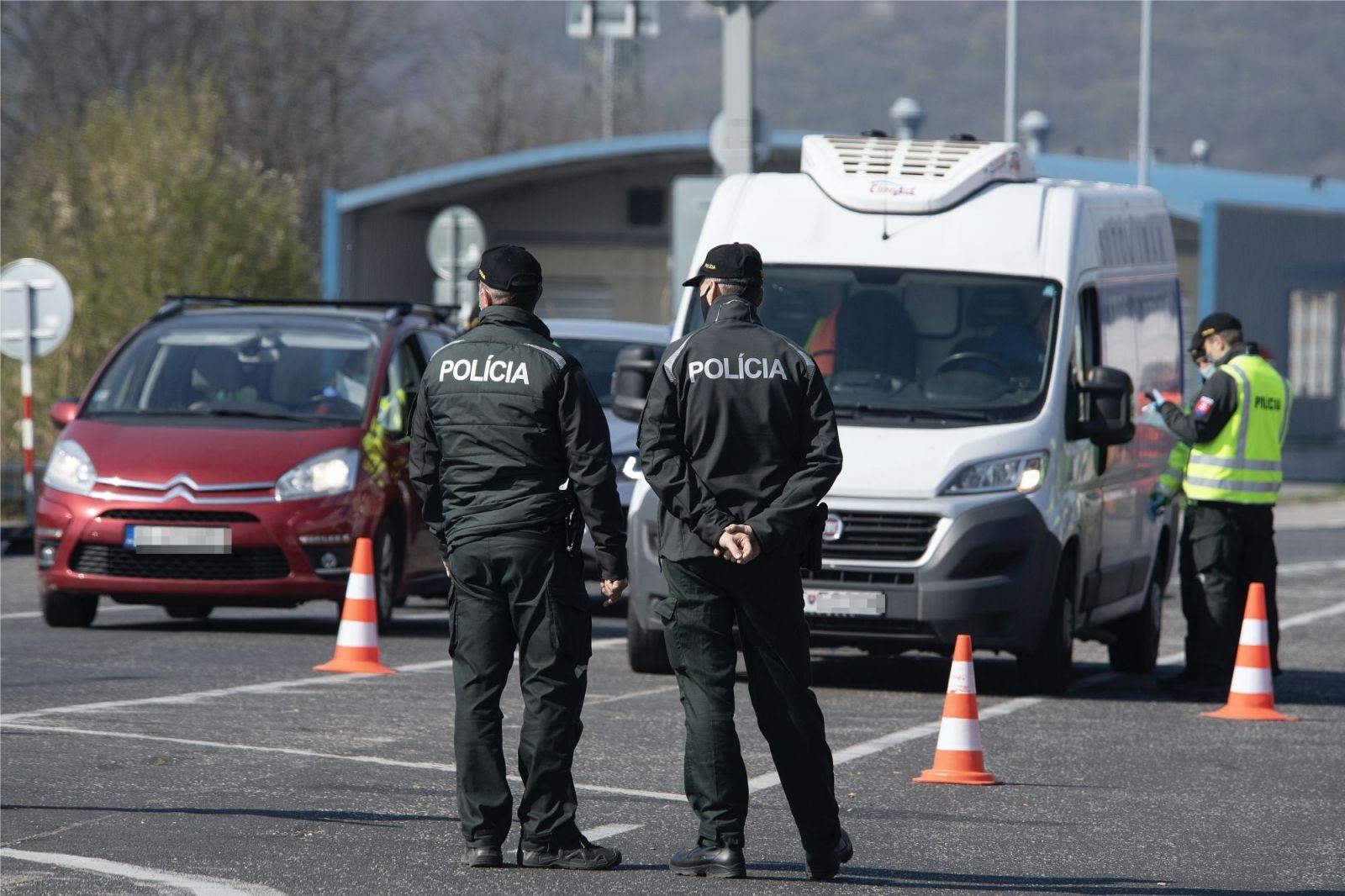 KORONA NAŽIVO: Strojárne v Detve chcú prepustiť vyše 700 zamestnancov, na Slovensku včera pozitívne testovali ďalších 49 ľudí