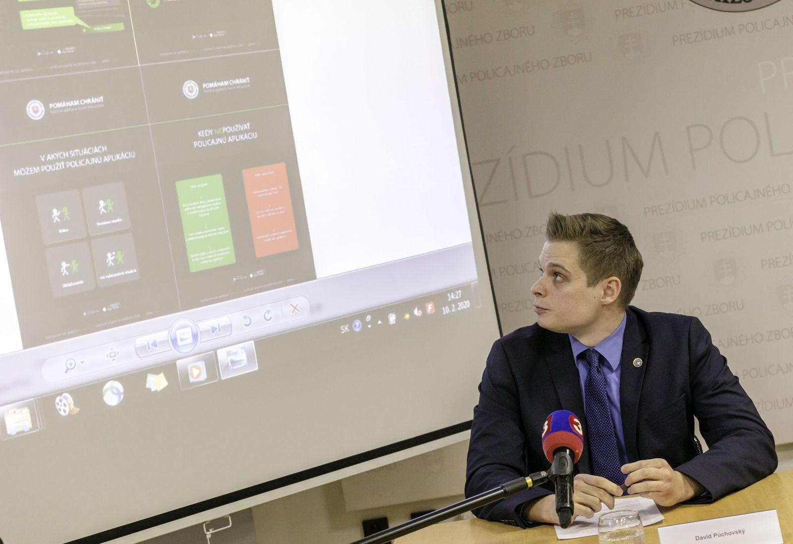 Slovenská polícia chystá mobilnú aplikáciu, vďaka ktorej si privoláš pomocť. Určená je najmä pre týrané a napadnuté ženy