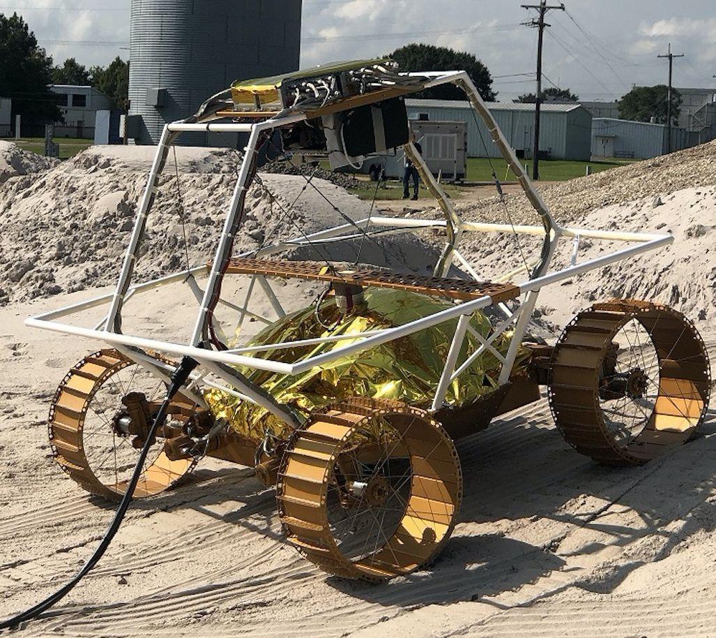 NASA ukázala rover, ktorý má na Mesiaci zmapovať prítomnosť vody