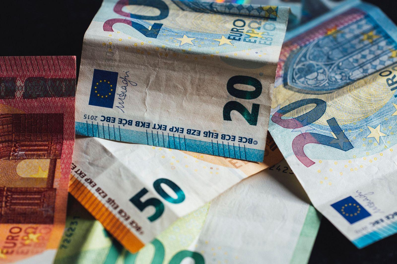 Rozpočítavate si s partnerom celý svoj nákup a následne si spravíte vyúčtovanie? Aj takto riešia financie Slováci