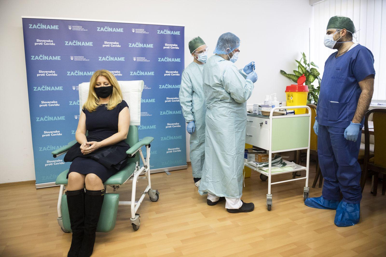 Vakcínu proti COVID-19 dostala už aj prezidentka Zuzana Čaputová. Očkujú sa aj ostatní členovia vlády