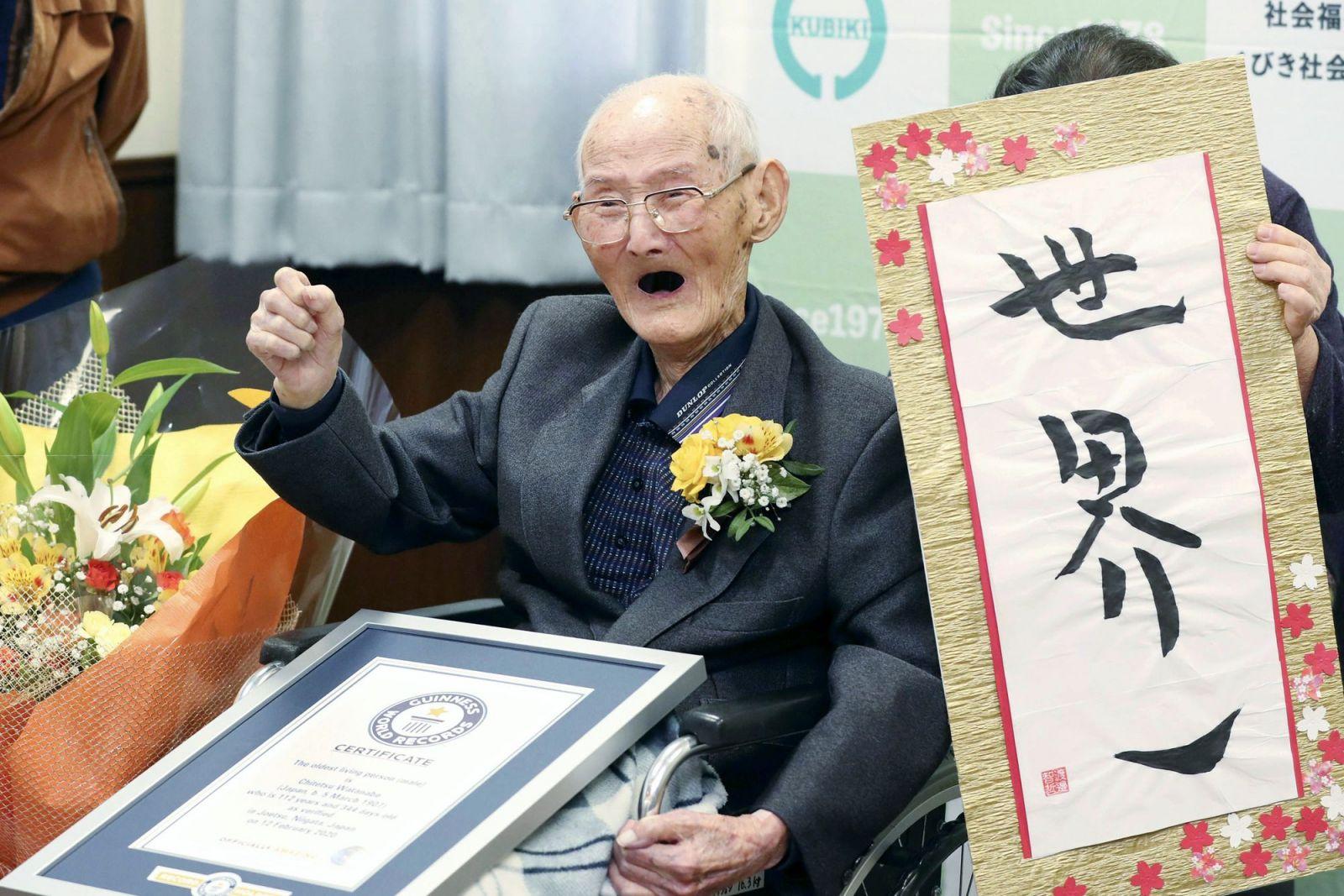 Zemřel nejstarší muž světa, bylo mu neuvěřitelných 112 let