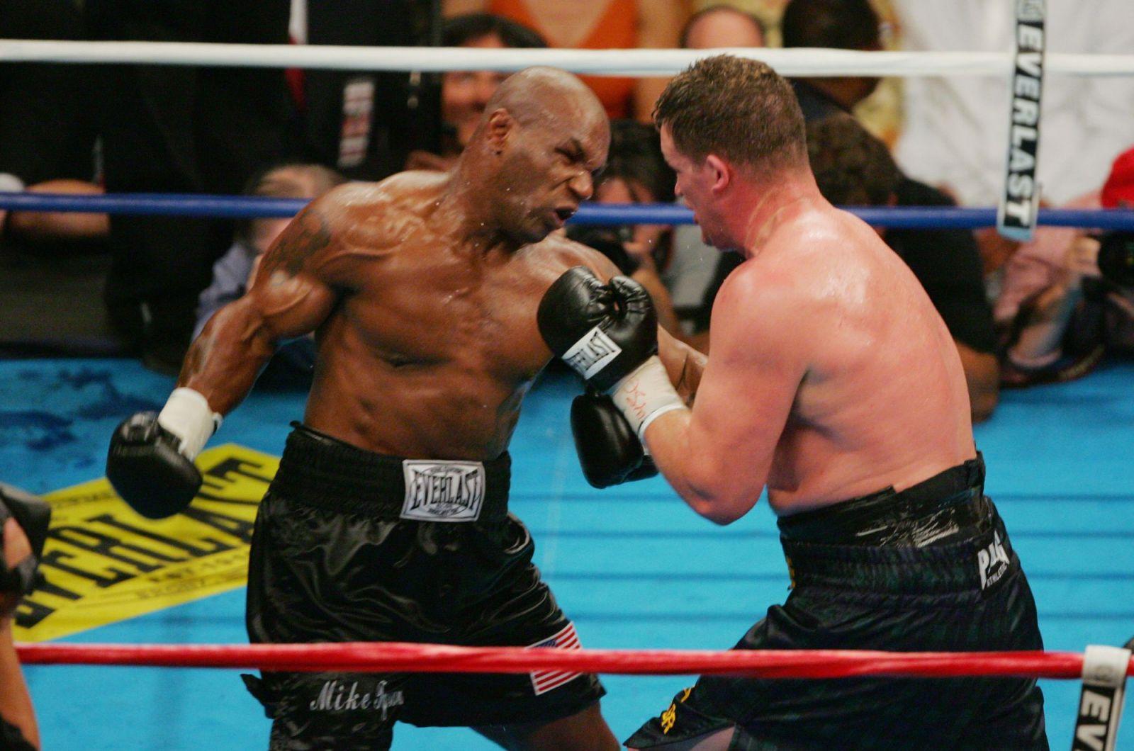 10 brutálních knockoutů Mikea Tysona: Takto ničil v ringu jednoho soupeře za druhým