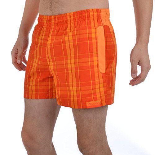 Chlapté plecia, havajské kraťasy alebo mapy pod pazuchami. Ako sa vyhnúť letným módnym trapasom?