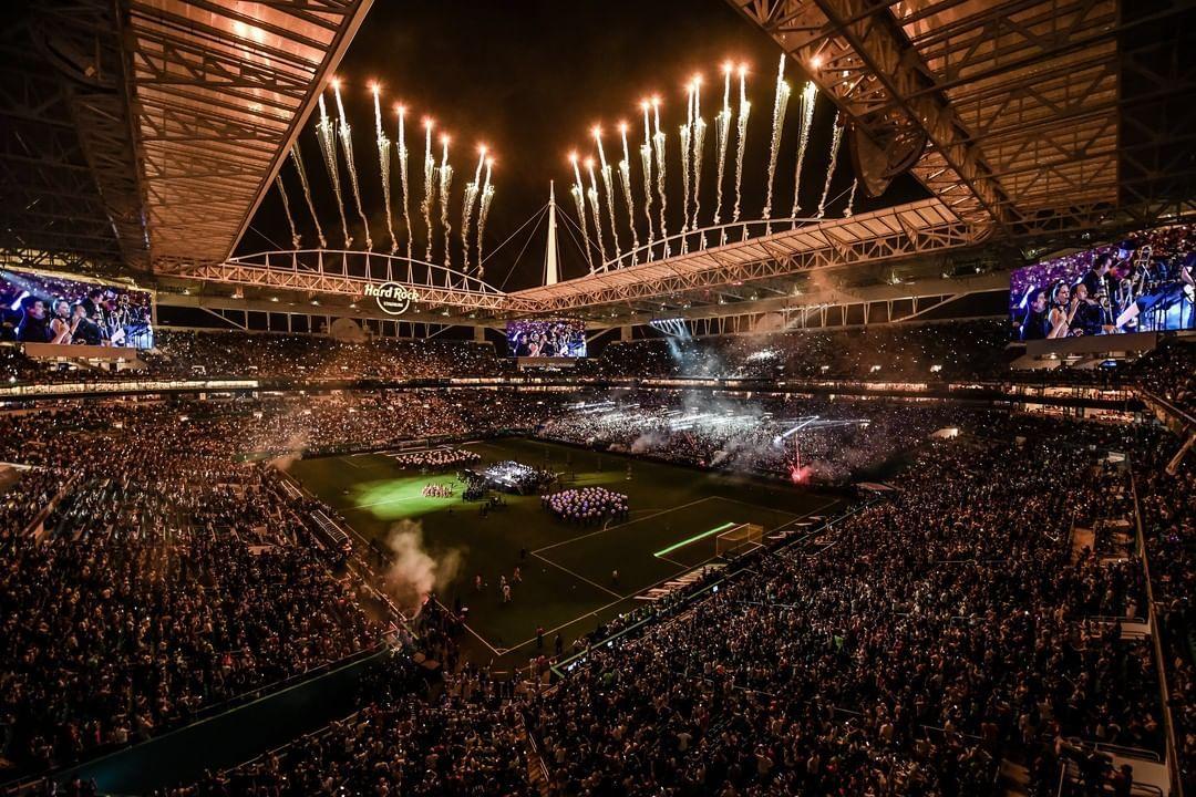 Výhľad divákov so vstupenkami za 5 000 €