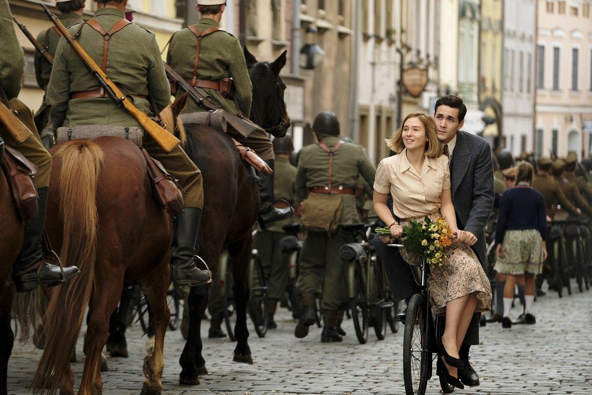 Oskarová Helen Hunt vedľa Sean Beana, Lesleyho Manvilla. Ktorej hviezde patrí dráma Svet v plameňoch?