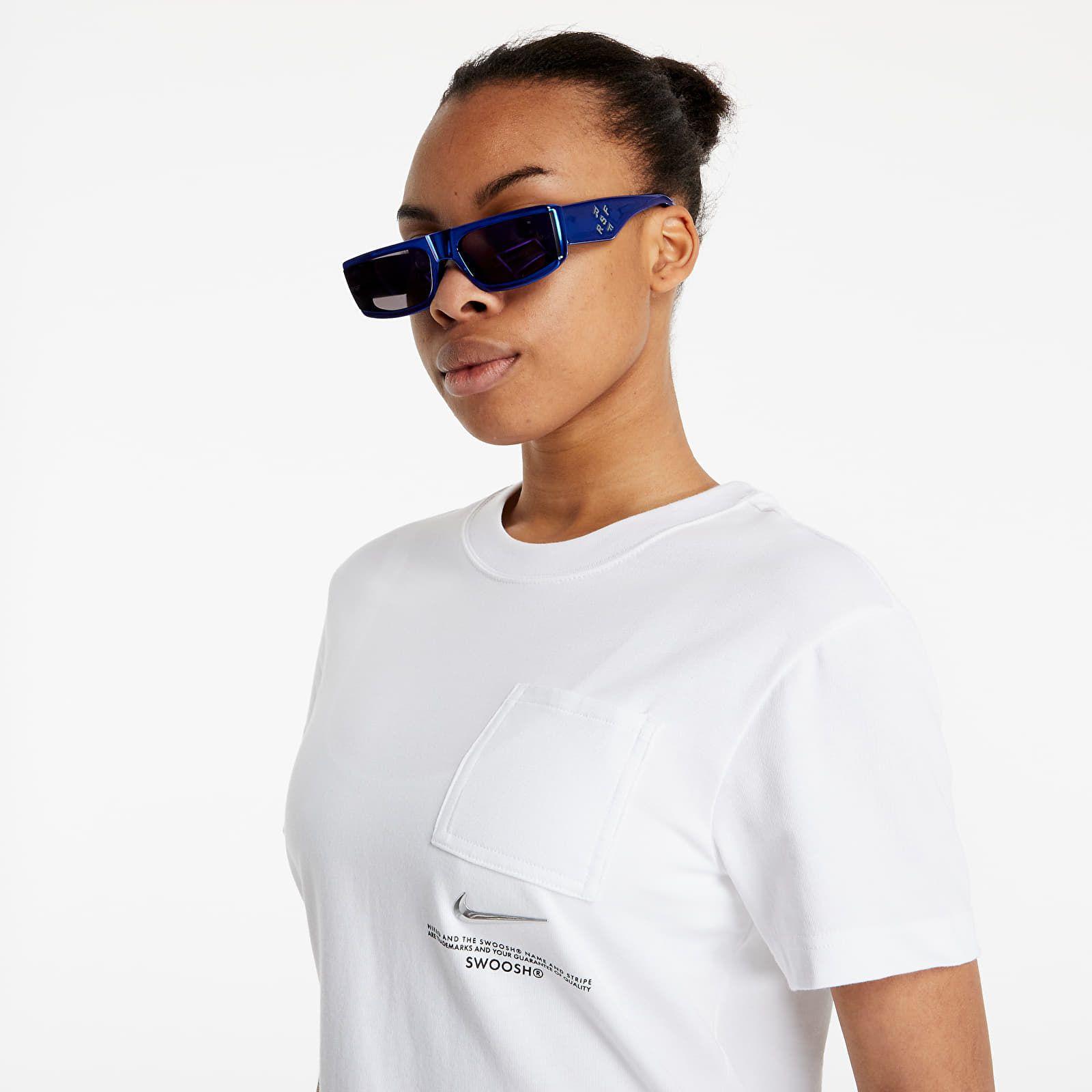 Biele tričko je skvelým základom jarných outfitov. Vybrali sme 20 najzaujímavejších kúskov pre každý rozpočet
