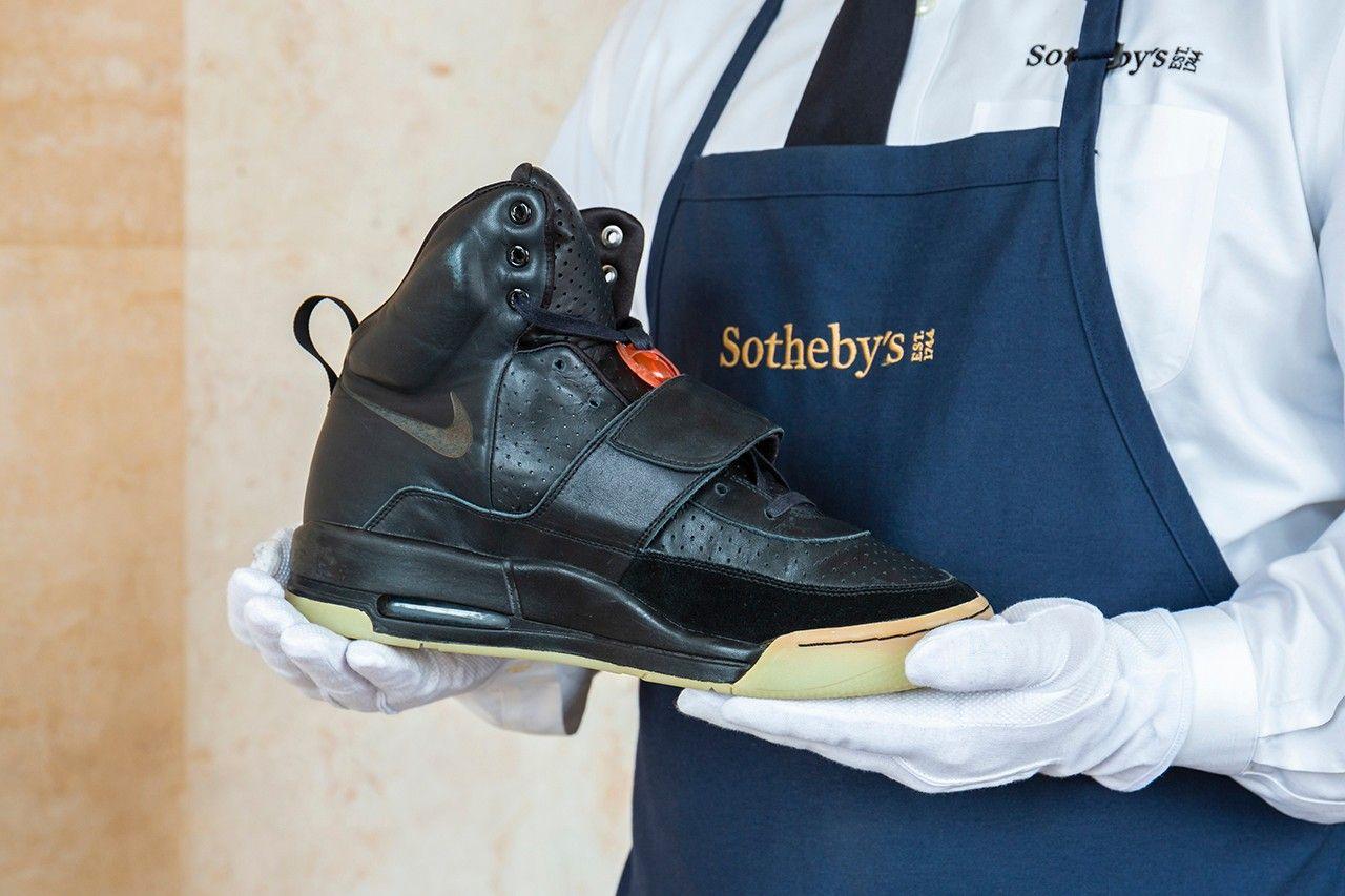 Aukčný dom Sotheby's uvedie do predaja tenisky Nike Air Yeezy 1 v hodnote okolo 850 000 eur