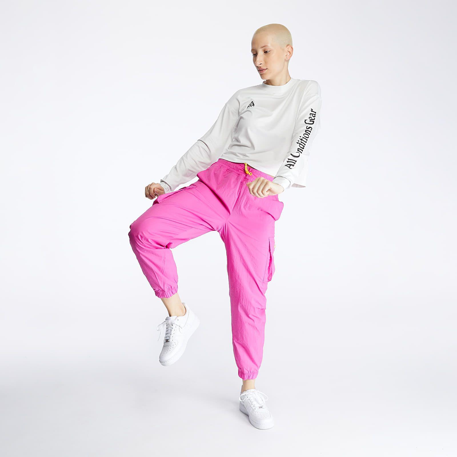 Na web Footshopu dorazili nové kolekcie od Nike, Vans či LIFE IS PORNO. Sleduj výber toho najzaujímavejšieho