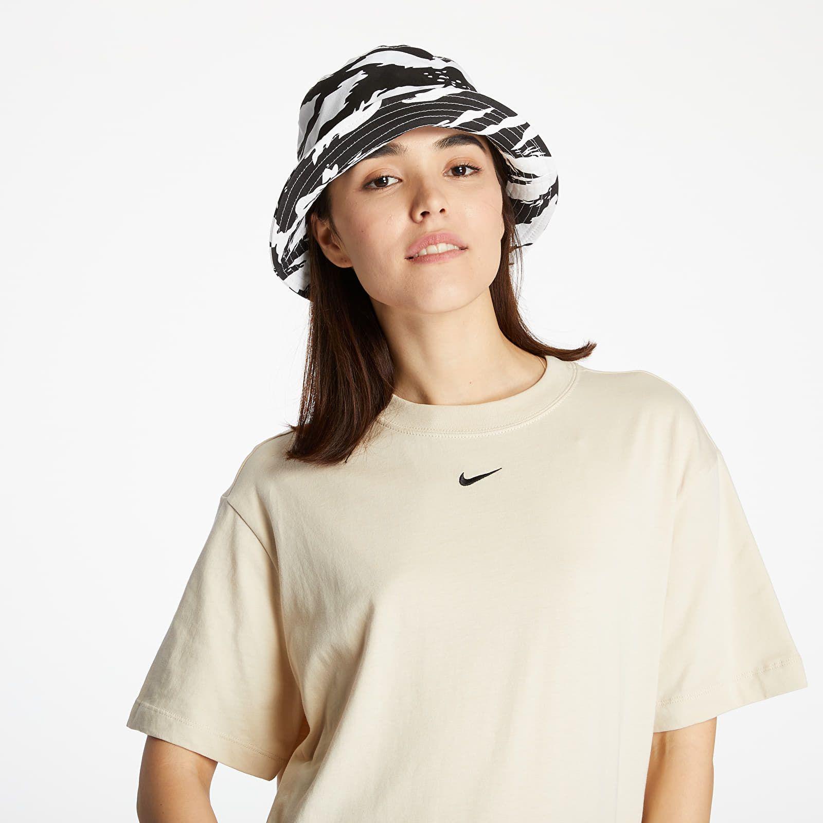 Športová klasika, ale tiež streetwear vo svojej tradičnej podobe. Vybrali sme najlepšie kúsky do 100 eur