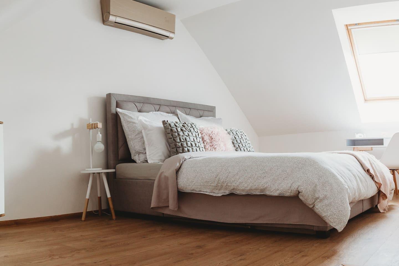 Bratislava alebo Košice? Vieme, kde nájdeš lepšie Airbnb ubytovanie do 70 €