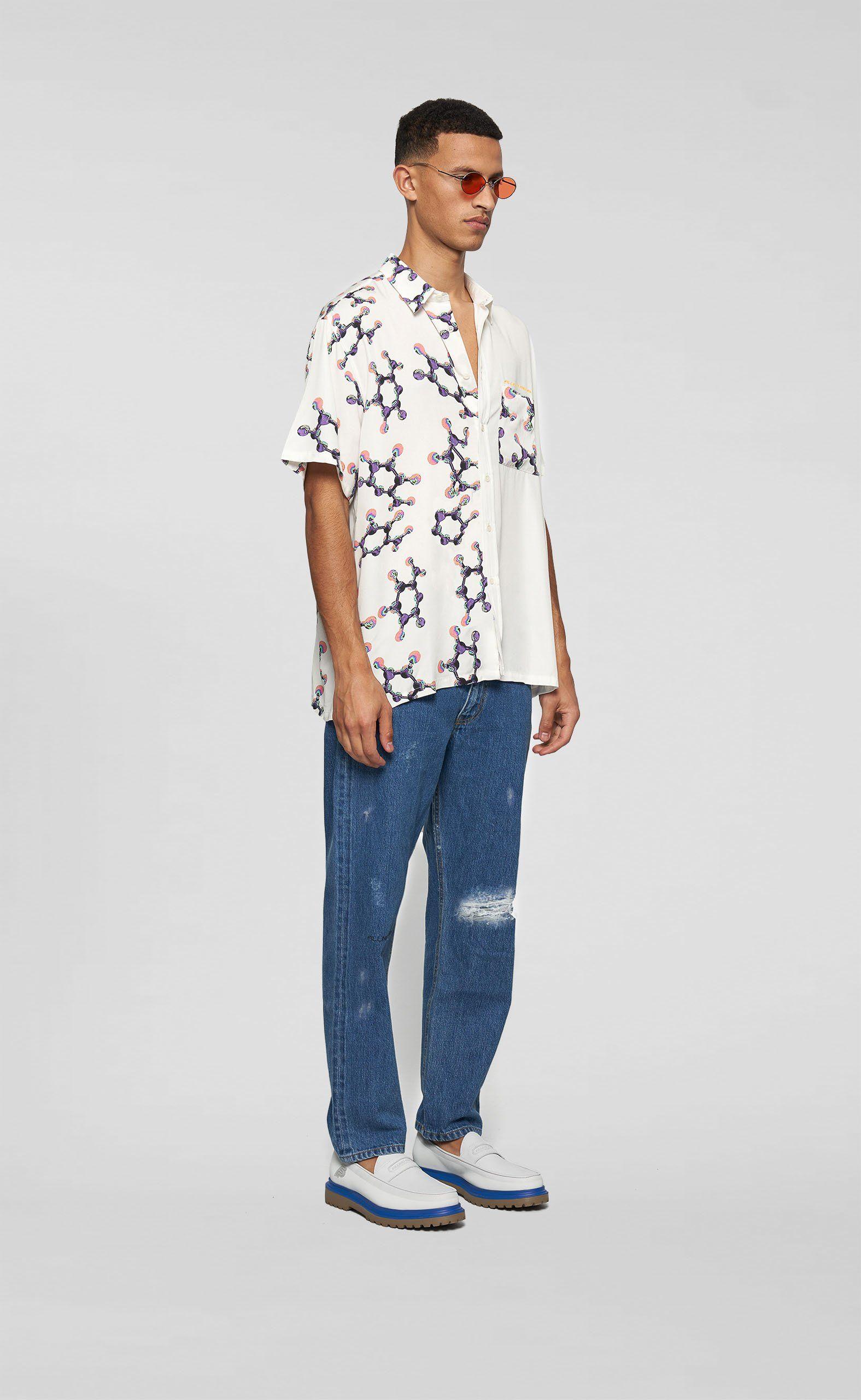 Zabudni na obtiahnuté džínsy. Toto sú najlepšie široké kúsky, ktoré ti vydržia roky