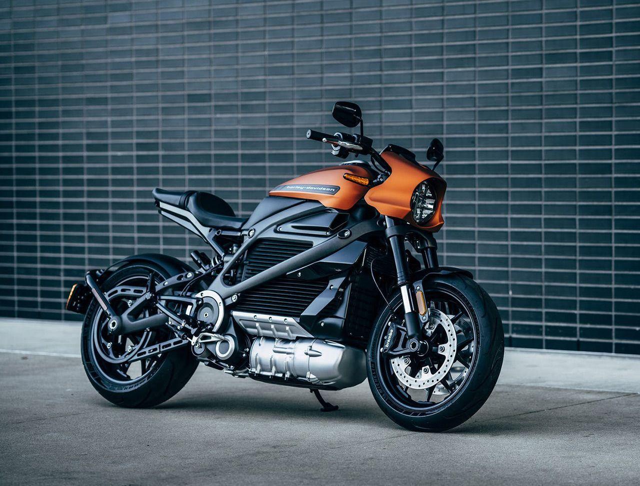 Rolovací TV, 11K kamera nebo elektrický Harley-Davidson. Co přinesla letošní konference CES?