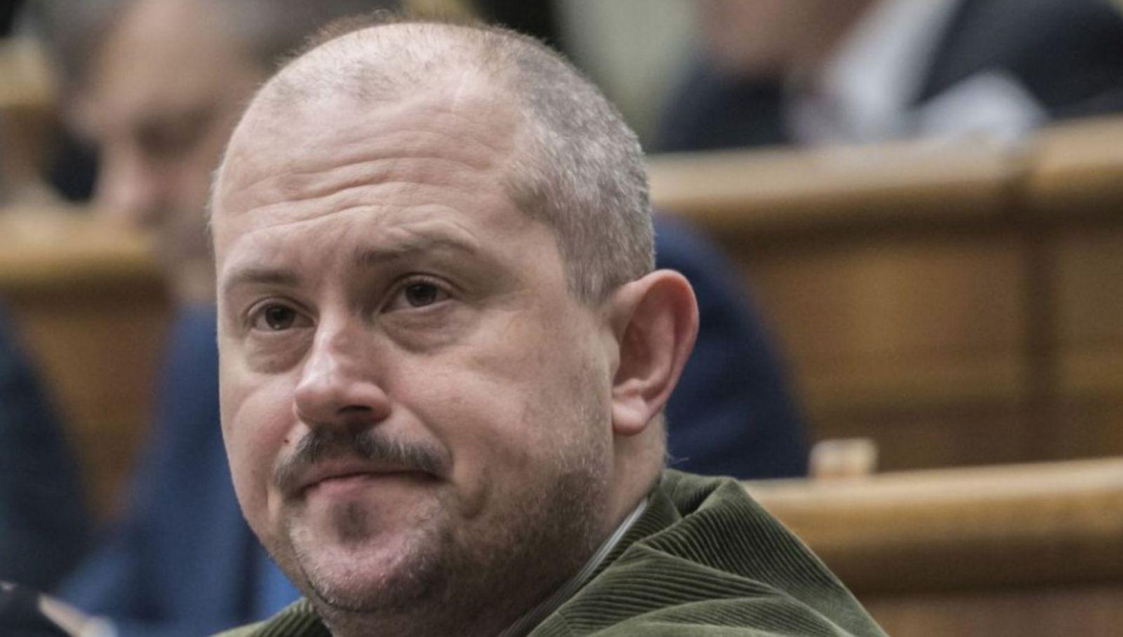 Kotlebova ĽSNS nekončí, podľa Najvyššieho súdu strana nie je v rozpore s demokraciou