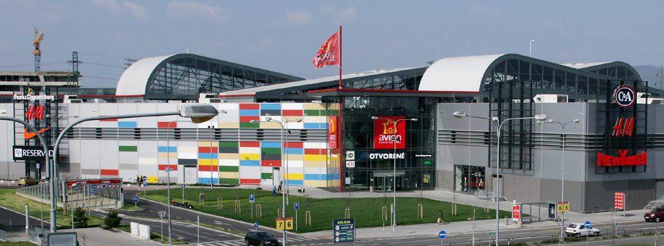 da0661bfd5 Porovnali sme bratislavské obchodné centrá  Kam sa cesta oplatí ...