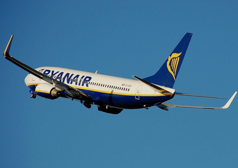 Ryanair potichu navýšil ďalšie poplatky. Ich web pritom klamlivo uvádza nižšie sumy než reálne zaplatíš
