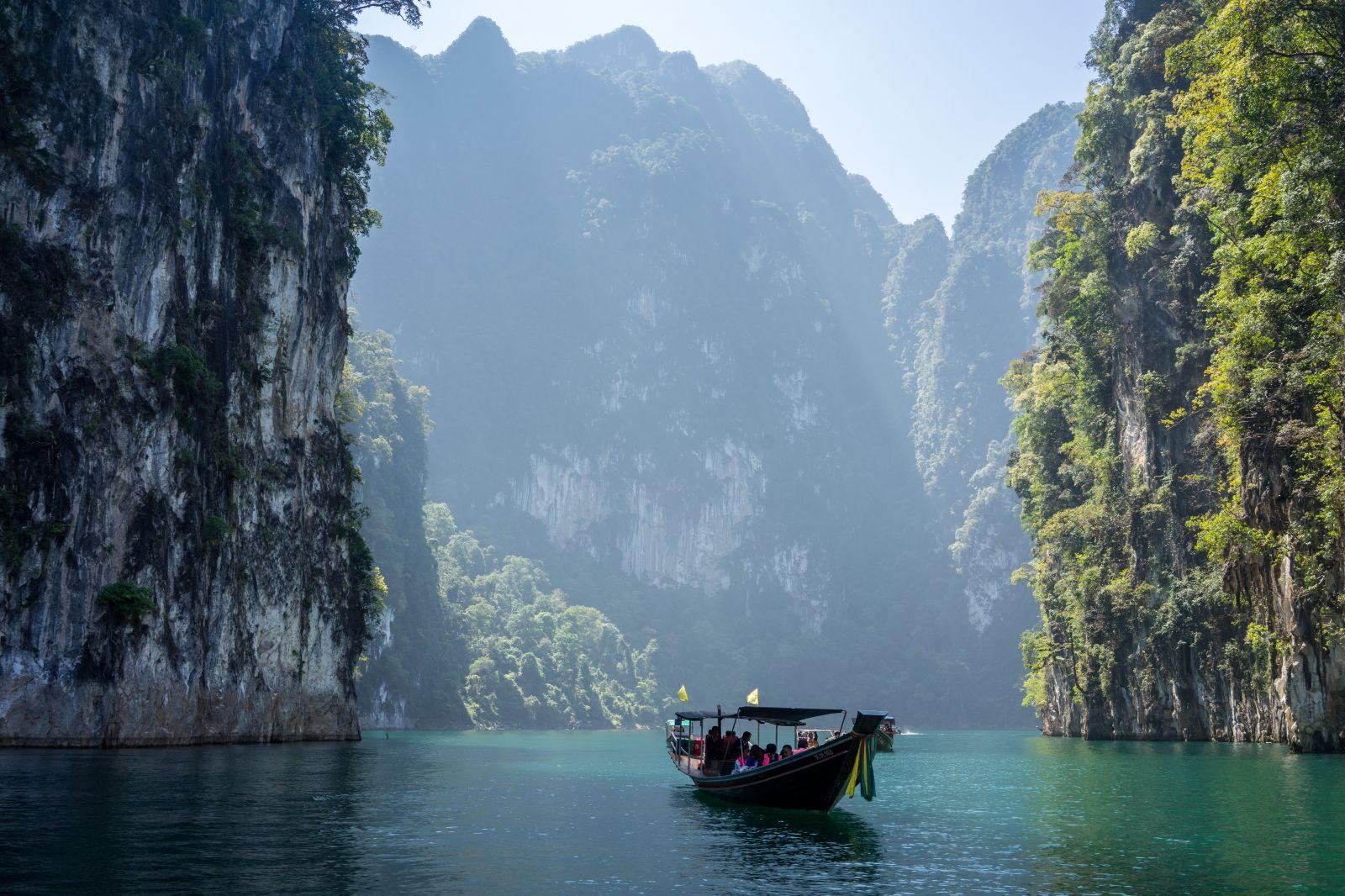 Thajsko chce platiť turistom, ktorí sa vyhnú mainstreamovým destináciam. Vláda má už plné zuby ľudí, ktorí chodia len do Phuketu