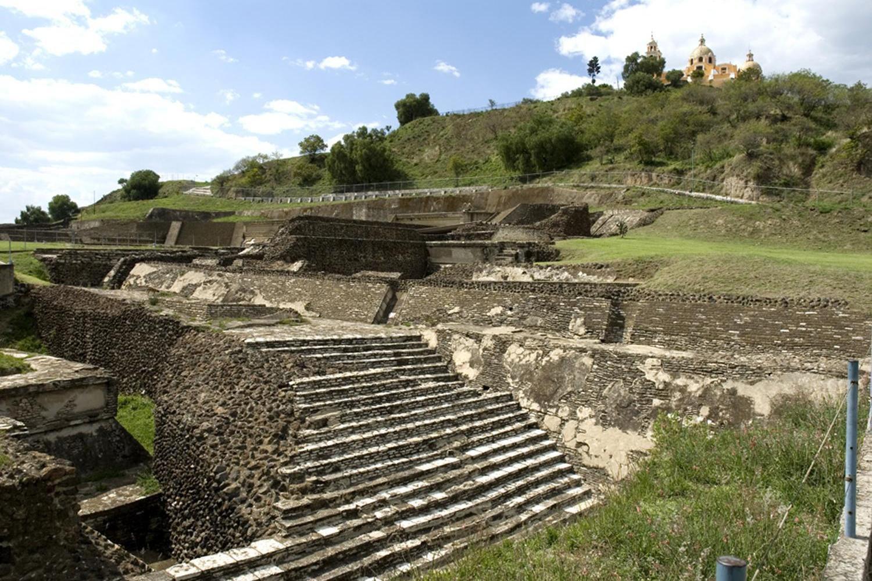 Nálezisko s najväčšou pyramídou na svete patrí k najzaujímavejším historickým lokalitám celého sveta