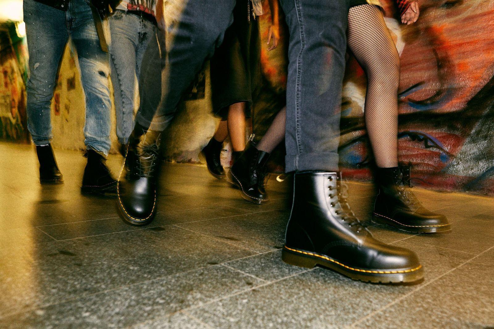 Oblíbená značka obuvi Dr. Martnes slaví 60 let