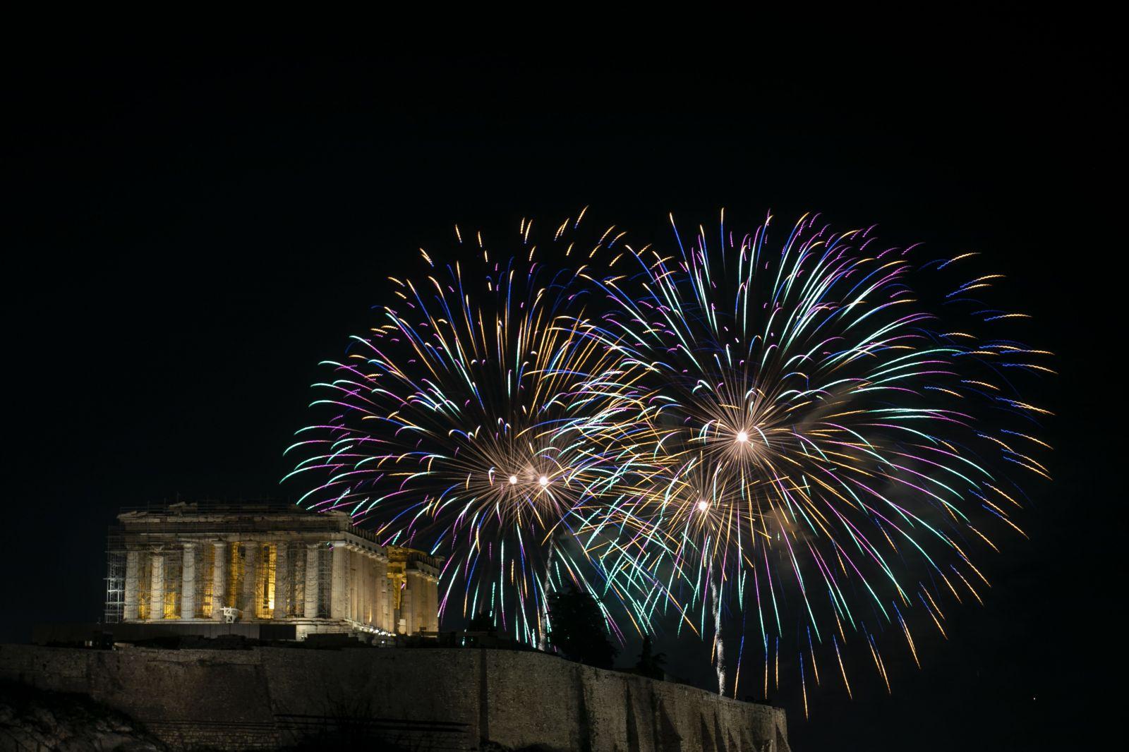 Novoročné oslavy po celom svete: Ako privítali rok 2020 New York, Moskva, Paríž či Bangkok?