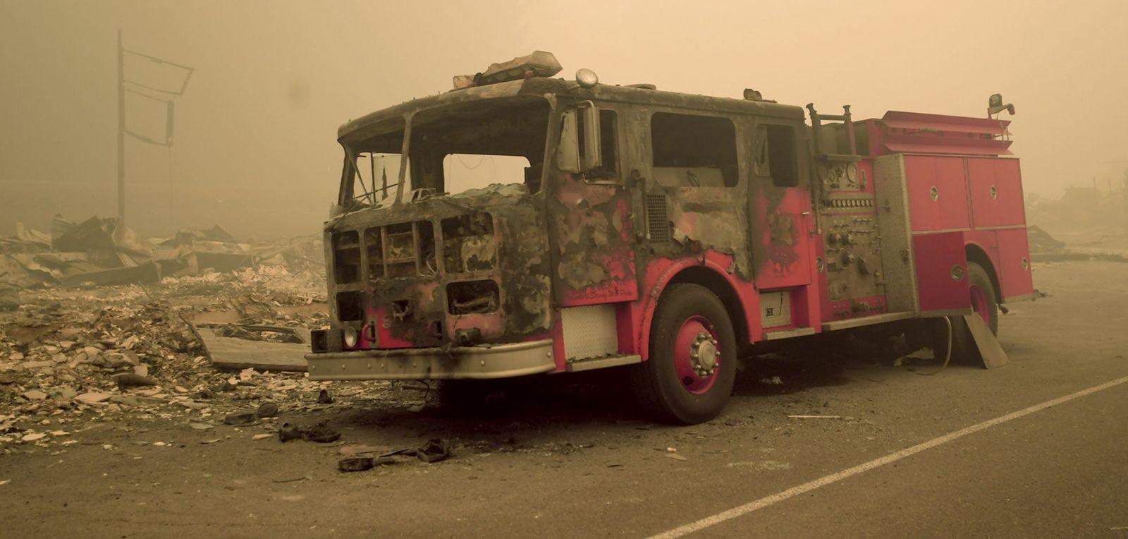 Zničené požiarnicke auto v Detroite, v štáte Oregon 11. septembra 2020. Vozidlo zničil požiar Lionshead.