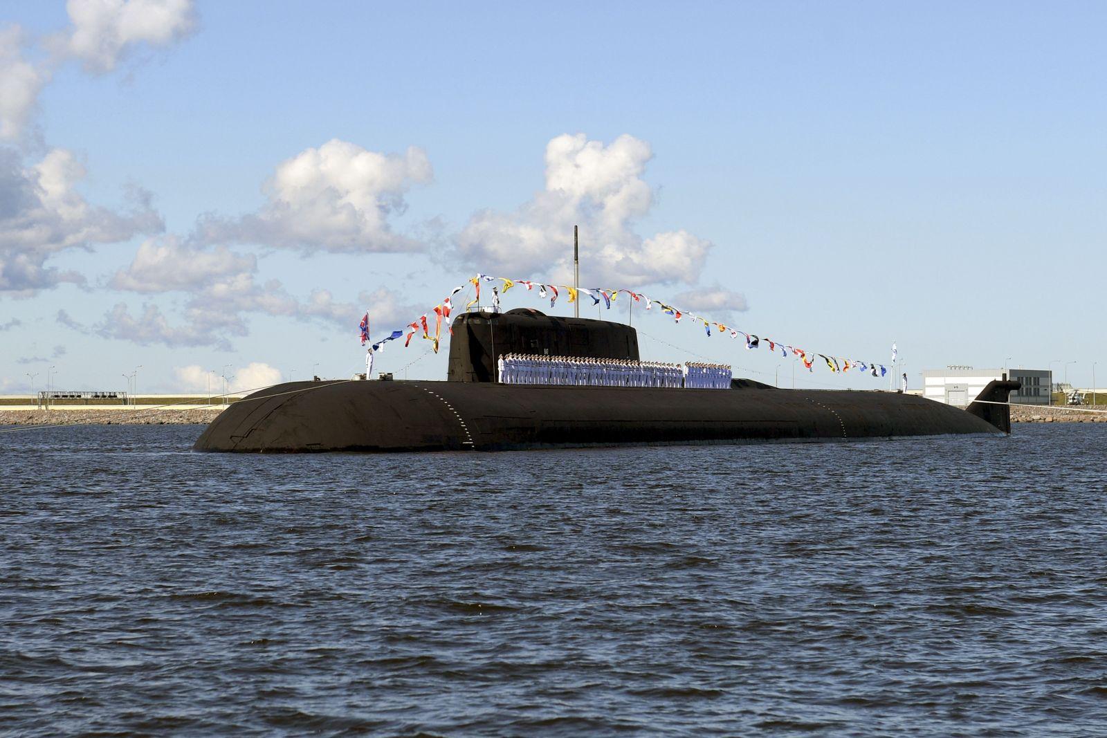 Na snímke ruská jadrová ponorka K-266 Orel počas vojenskej prehliadky v rámci osláv štátneho sviatku Dňa námorníctva v ruskom Petrohrade 26. júla 2020.