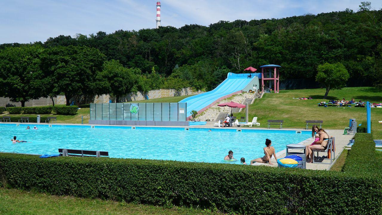 Osvieženie ukryté medzi panelákmi - kde sú najznámejšie kúpaliská v Bratislave?