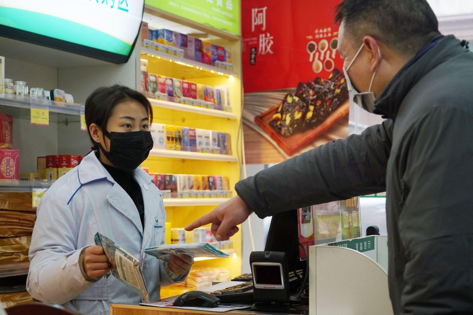 Ľudia v Číne by sa mali vyhýbať trhoviskám