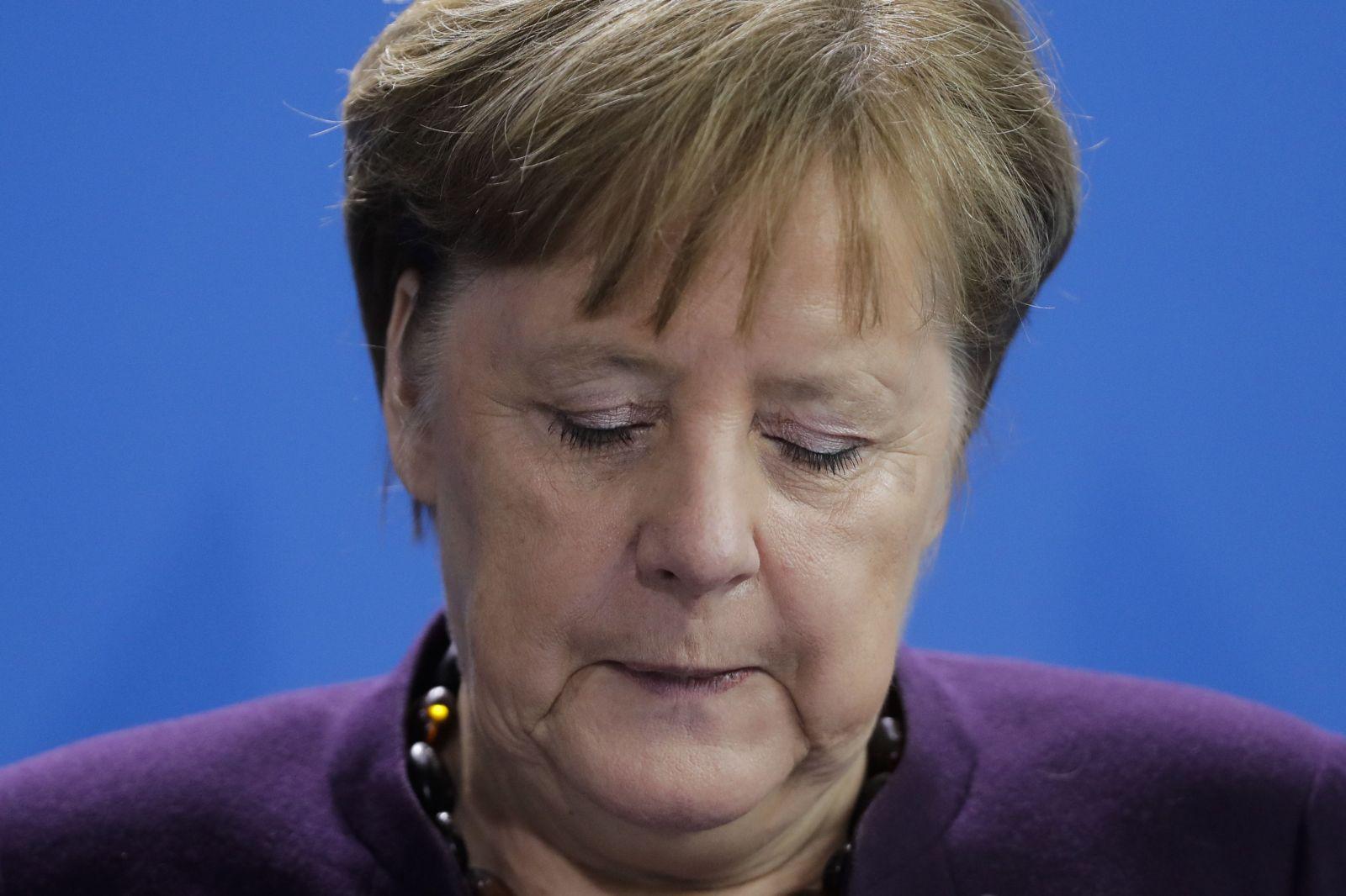 Koronavírus môže zasiahnuť až dve tretiny nášho obyvateľstva, tvrdí nemecká kancelárka Merkelová