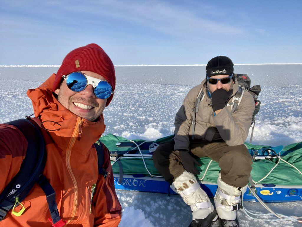 Dvaja Slováci zvládli spať v stane pri -40 aj stretnutie s ľadovým medveďom. Prechod cez Beringov prieliv nakoniec prekazil uragán