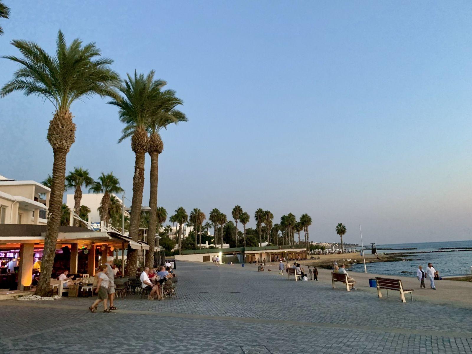 Na Cypre môžete ľahko dostať po papuli, stačí keď na nesprávnej strane začnete hovoriť nesprávnym jazykom