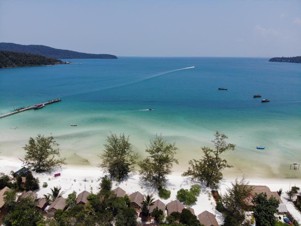 Slovák Adam si splnil sen a otvoril si rezort na rajskom ostrove v Kambodži. Kvôli koronavírusu sa naň nemôže vrátiť