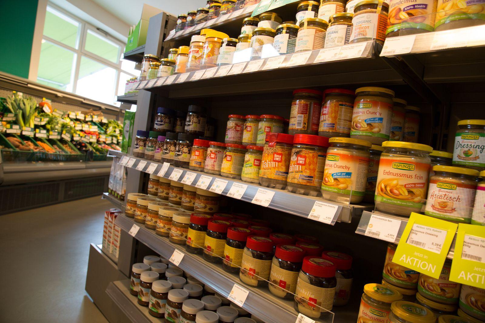 Srovnání vegetariánské nabídky českých supermarketů. Nejlépe si vede Globus, v Penny není ani základ