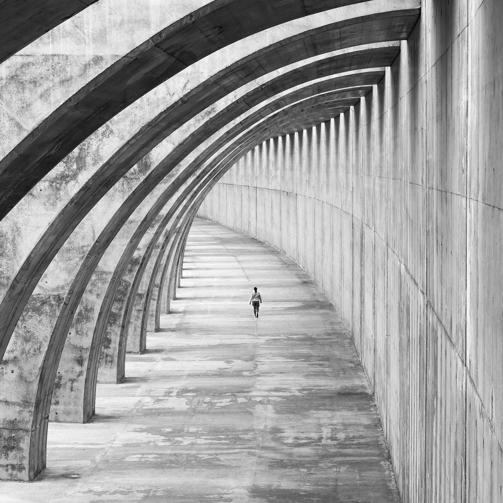 Podivné architektonické experimenty nebo vznešené monumenty? Utopický brutalismus patří mezi nejpozoruhodnější stavební styly