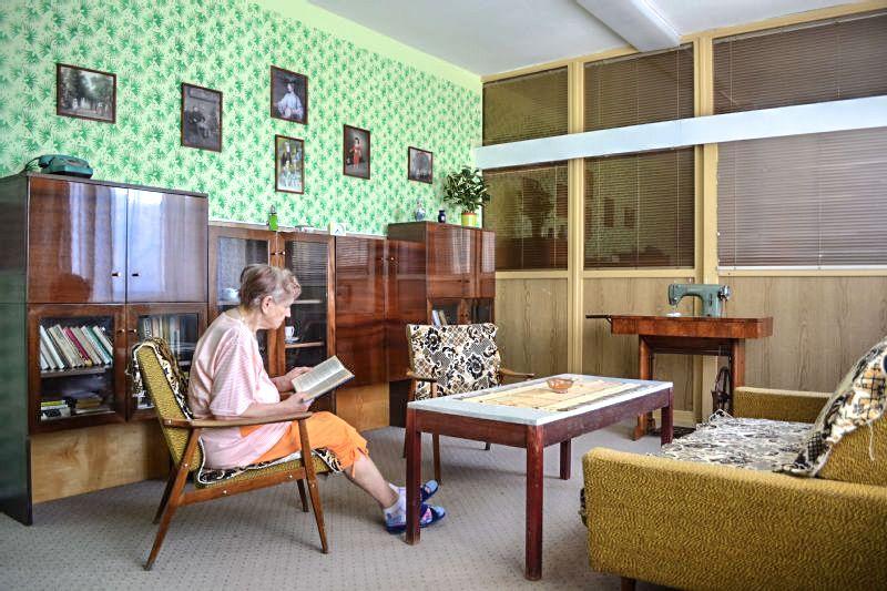 b9981f96b5e Vítkovická nemocnice zřídila retro pokoj ve stylu 60. let. Seniorům se tu  vrací paměť