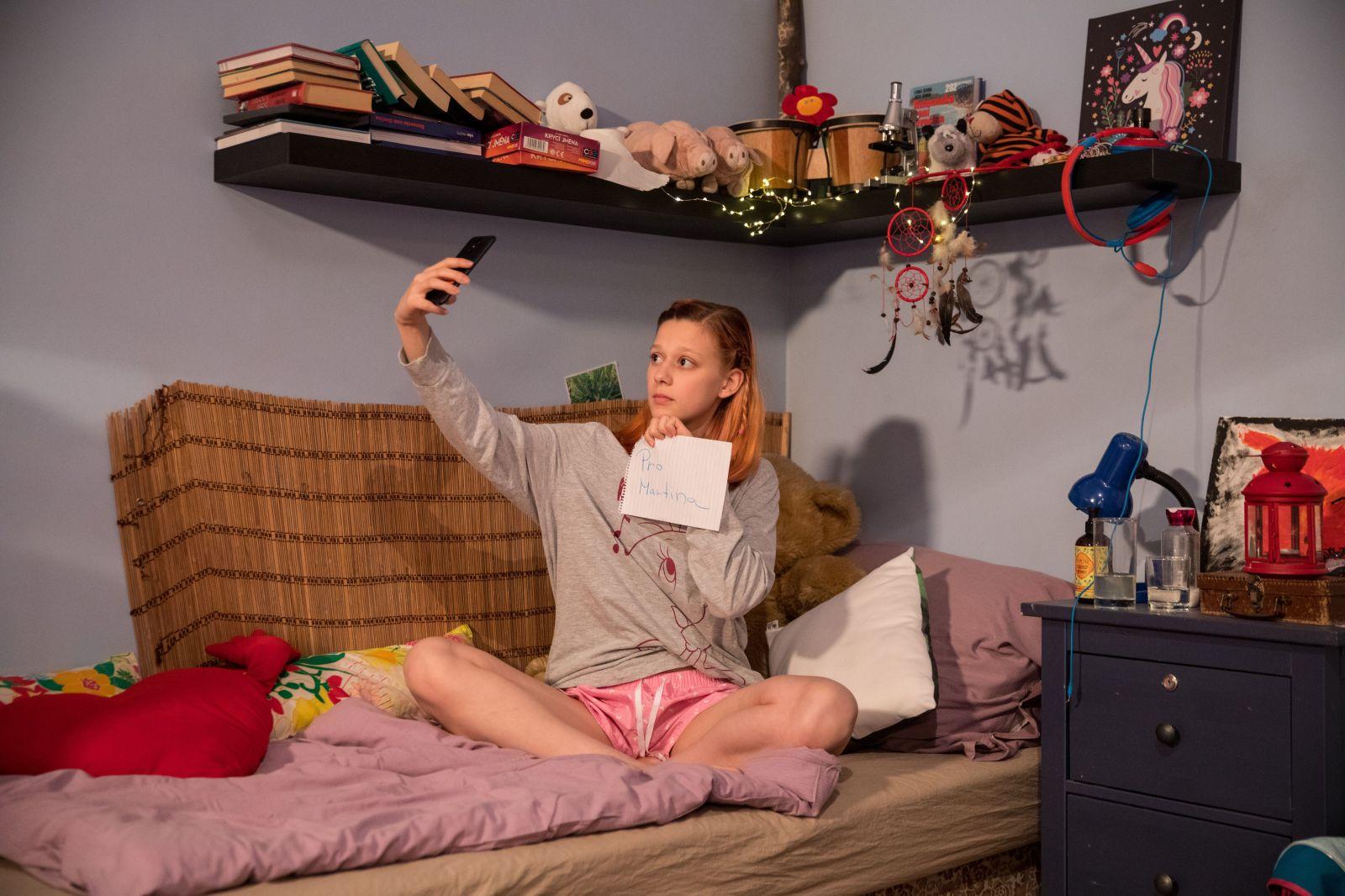 Predátoři po dětech vyžadují sexuální konverzaci a masturbaci na webkameře. Porno už je nebaví, chtějí živý stimul (Rozhovor)