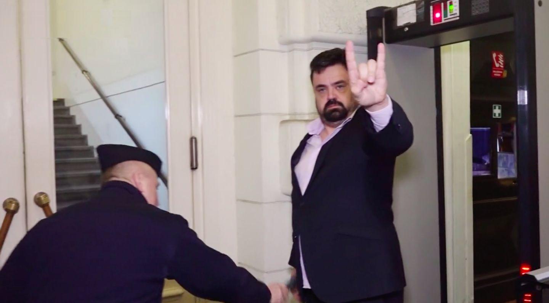 Soud potvrdil vinu Pavla Novotného, psal o přípravě vraždy Marka Víta. Ve funkci prý neskončí