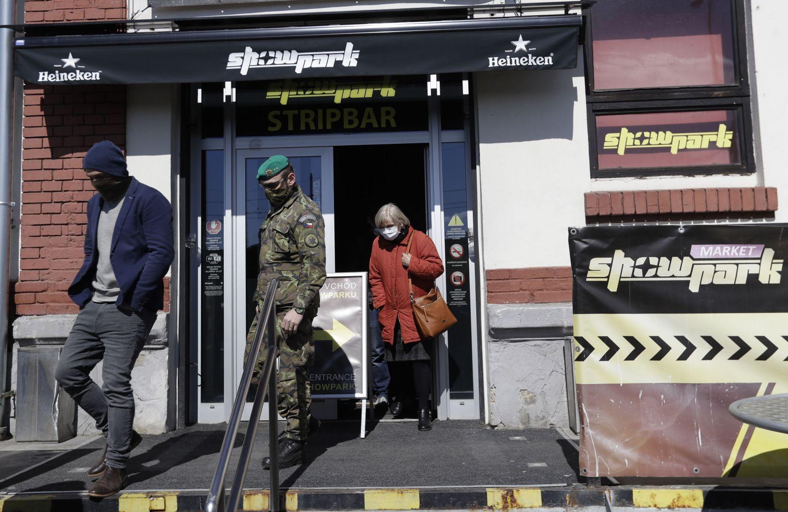Pražský nevěstinec měl sloužit jako noclehárna pro lidi bez domova, ale nevyhovuje. Ubytují je prý na stadionu Strahov