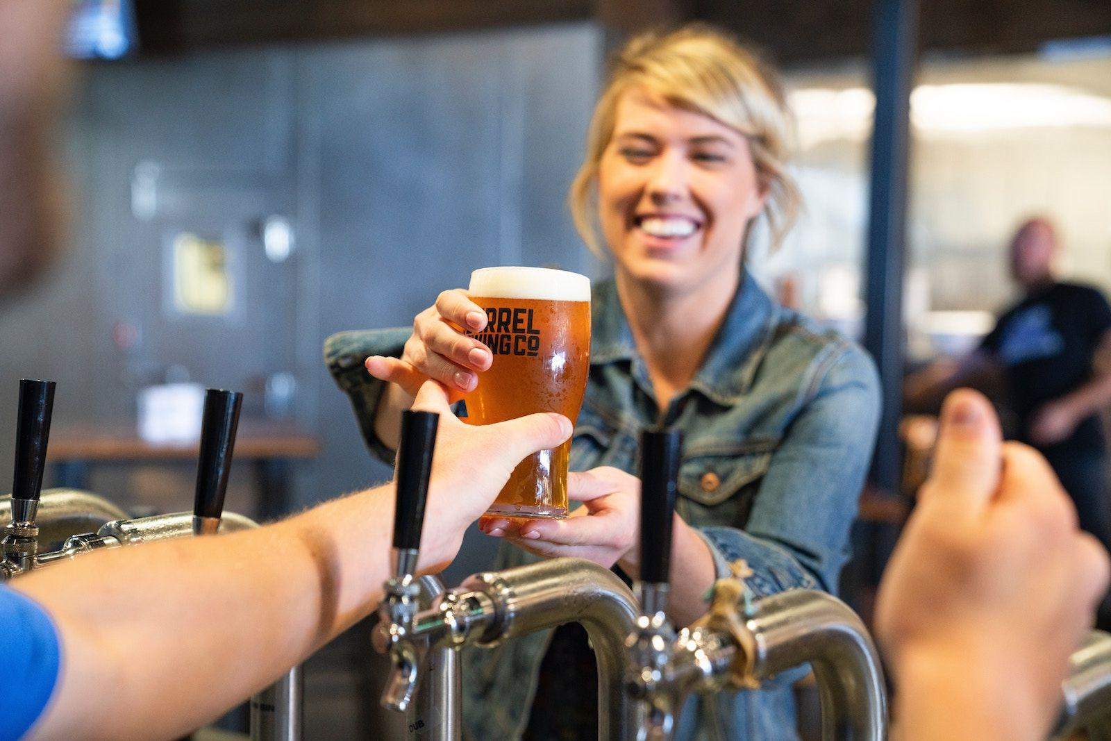 Pivovary v Česku uvařily rekordních 21,3 hektolitrů piva. Vzrostla i jeho spotřeba