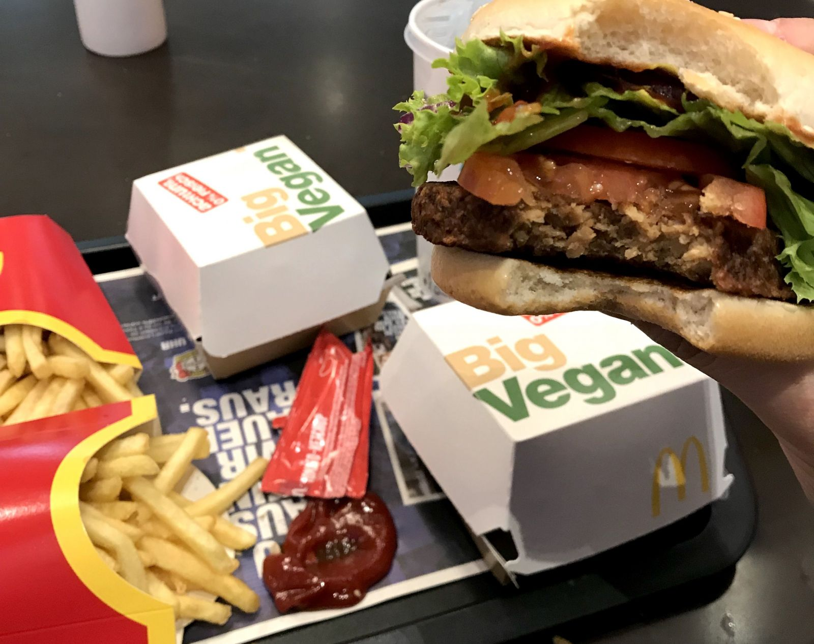 Křidélka z umělého masa v KFC? Prozkoumáme to, řekl prezident amerického řetězce