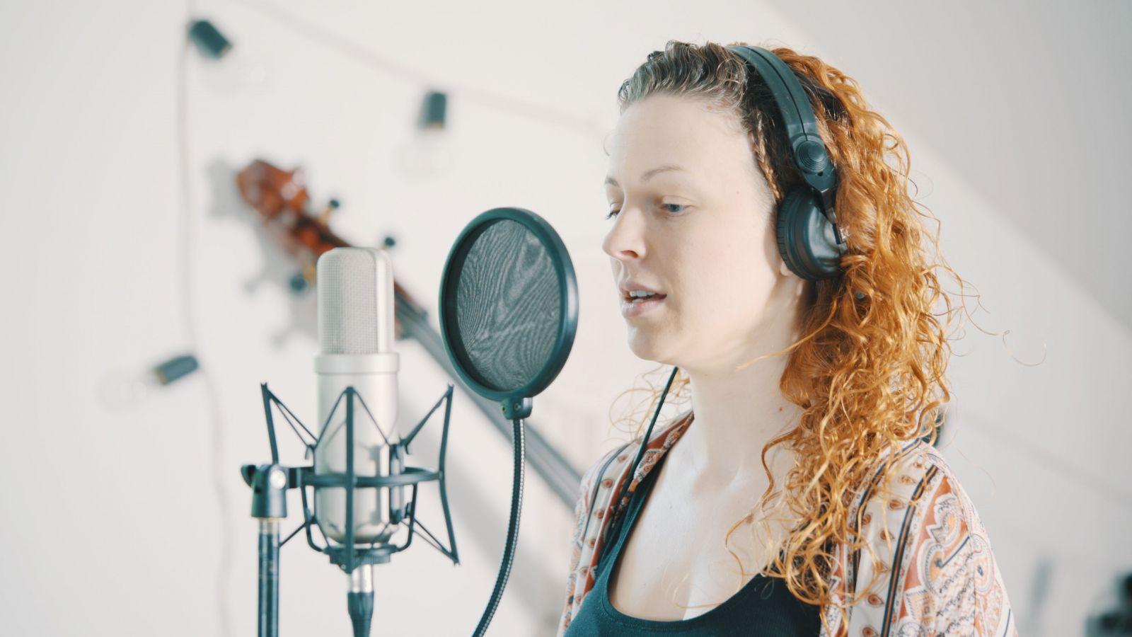 Chceš si nechat nahrát český rapový nebo popový track na míru? Díky novému projektu ti ho složí profesionální hudebník